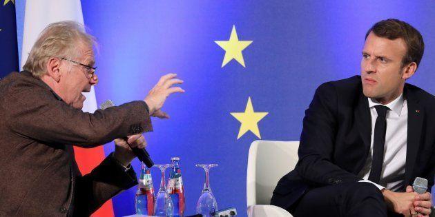 Emmanuel Macron et Daniel Cohn-Bendit lors d'un débat sur l'Europe à Francfort, le 10 octobre