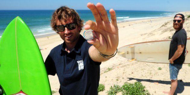 Dès cet été, les progrès des jeunes surfeurs seront récompensés par des badges, comme au
