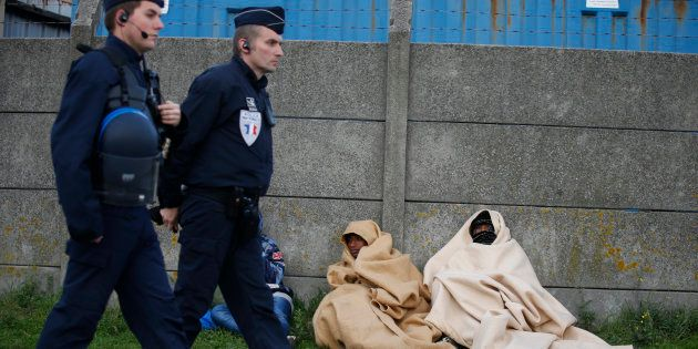 Monsieur Macron, rendez sa grandeur à la France, redonnez-lui son humanité envers les