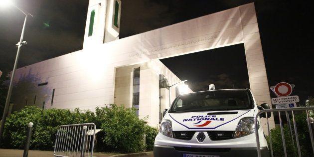 Le chauffeur qui a visé la mosquée de Créteil est