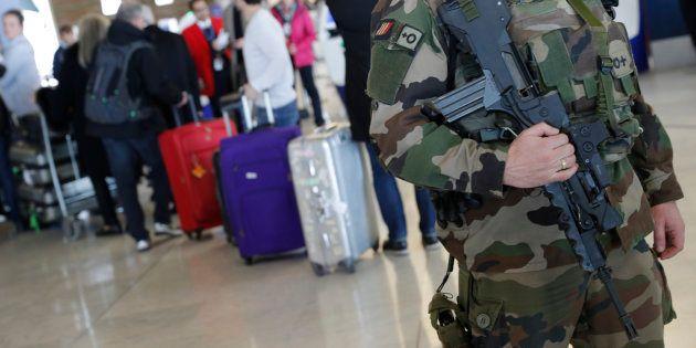 Aéroport de Roissy: 2000 personnes évacuées car un individu s'était introduit