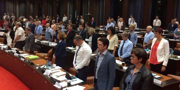 Confusion autour du départ d'élus FN pendant un hommage à Simone