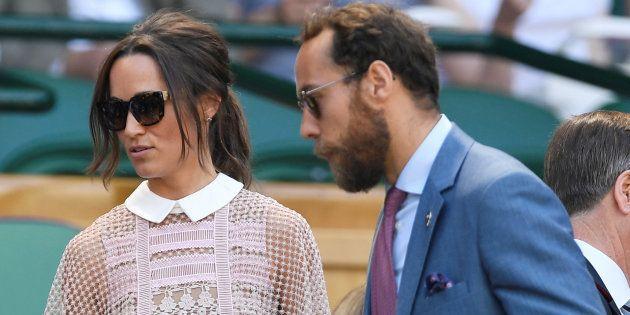 Pippa et son frère James Middleton se sont installés dans les gradins du Court central de