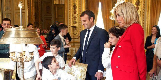 Brigitte Macron n'a toujours pas de rôle officiel, mais on sait à quoi ressemble son