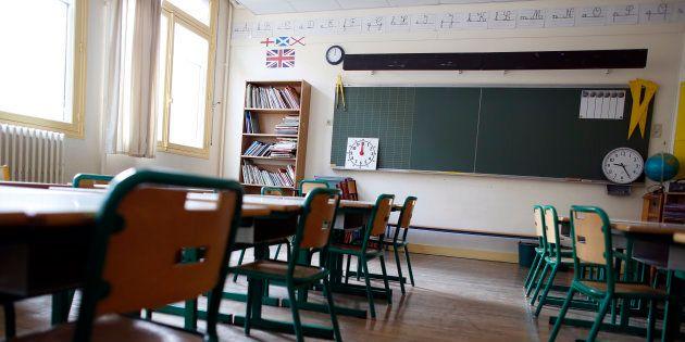 Une salle de classe d'école primaire à