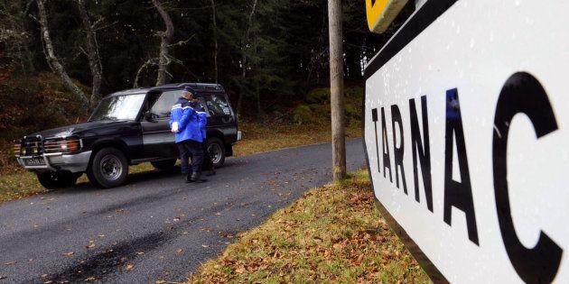 Des gendarmes près du village de Tarnac, le 11 novembre