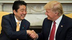 La poignée de main entre Trump et Shinzo Abe, dernière d'une série de moments