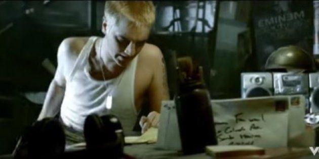 Un client d'Asos se plaint de sa commande avec des paroles d'Eminem, le site
