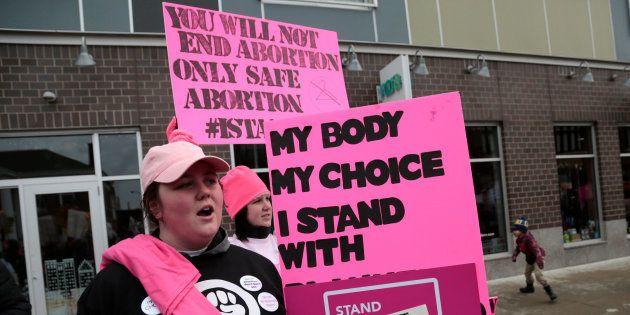 En Arkansas, les femmes ont besoin de la permission des hommes pour avorter