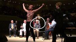 Les Femen interrompent un concert de Woody Allen, accusé par sa fille d'agression