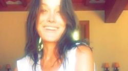 Carla Bruni offre un mini-concert à ses fans sur
