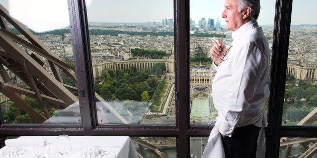 Le Chef Alain Ducasse photographié dans son