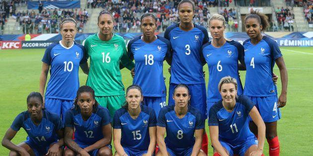 L'équipe de France avant d'affronter la Norvège à Sedan le 11 juillet