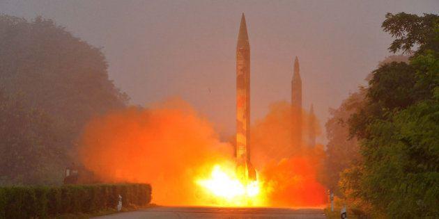 Le conseil de sécurité de l'ONU se réunit en urgence suite aux tirs de missiles de la Corée du Nord au...