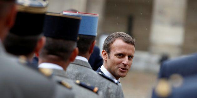 La veille du 14-Juillet, comment Emmanuel Macron s'est mis les militaires à