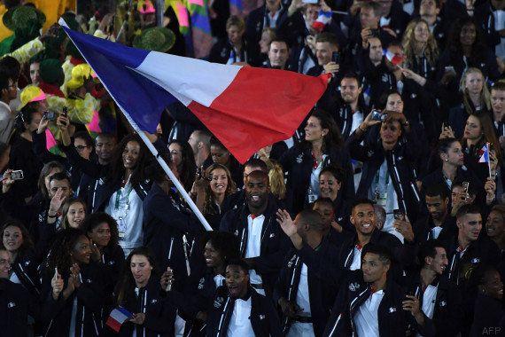 Pendant la cérémonie d'ouverture des JO de Rio, Teddy Riner n'a pas vraiment respecté la tradition (et...