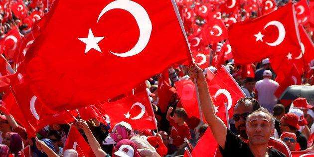 Un an après le putsch raté, pourquoi la Turquie doit continuer sa marche vers la démocratie et