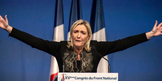 Marine Le Pen réélue présidente du Front national, sans
