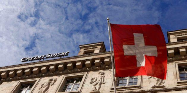 Les Suisses rejettent trois textes, sur le forfait fiscal, l'or et