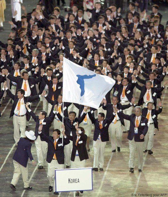 Le selfie de ces gymnastes Nord et Sud-coréennes symbolise parfaitement l'esprit des jeux
