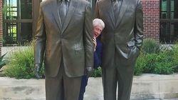 Cette photo de Bill Clinton entre deux Bush vaut le