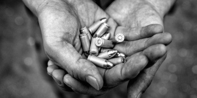 Semiautomatic pistol ammunition in mans