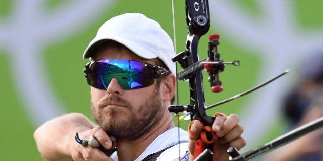 Jean-Charles Valladont, médaille d'argent en tir à l'arc pour la France à