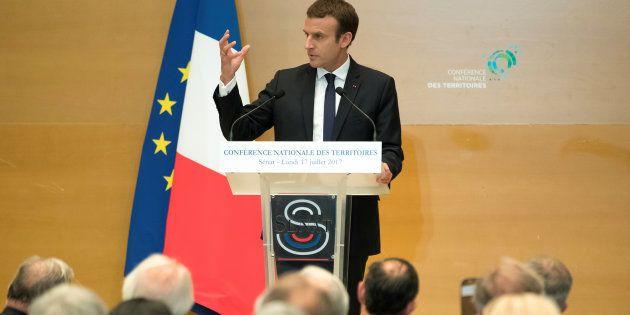 Emmanuel Macron devant la Conférence nationale des territoires réunie au Sénat à Paris, le 17