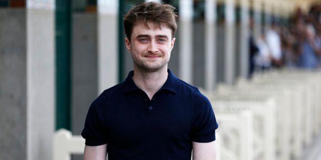 Daniel Radcliffe se précipite pour aider un passant qui vient de se faire voler son sac - Daniel Radcliffe...