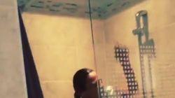 Sandra de Matteis prise en flagrant délit de playback sous la douche par son