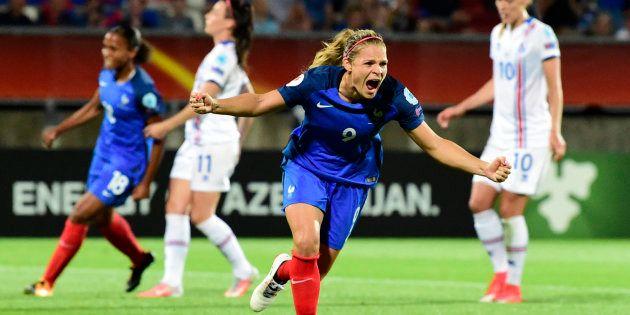 Eugénie Le Sommer célèbre son but contre l'Islande à l'Euro de football, le 18 juillet aux