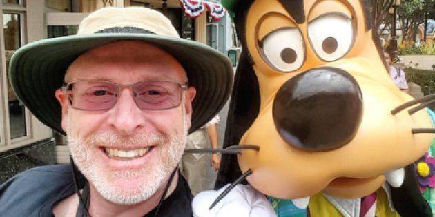 Cet homme a visité Disneyland 2024 jours d'affilée. Voici ses