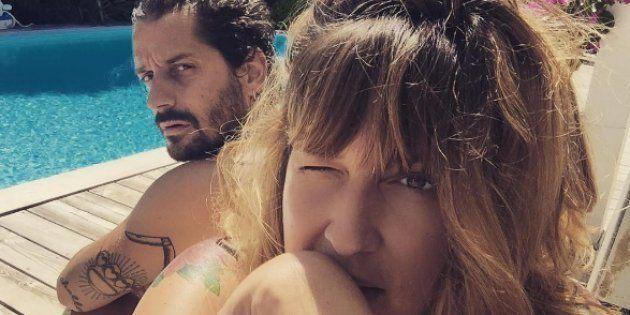 Daphné Bürki dévoile la raie de son mari parce qu'après tout c'est les