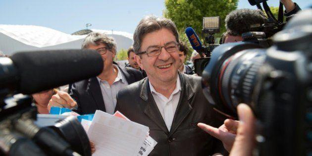 Mélenchon applaudit les candidatures de Montebourg et Hamon à la