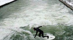 Les vrais surfeurs aiment autant leur sport sous les tropiques qu'au milieu des
