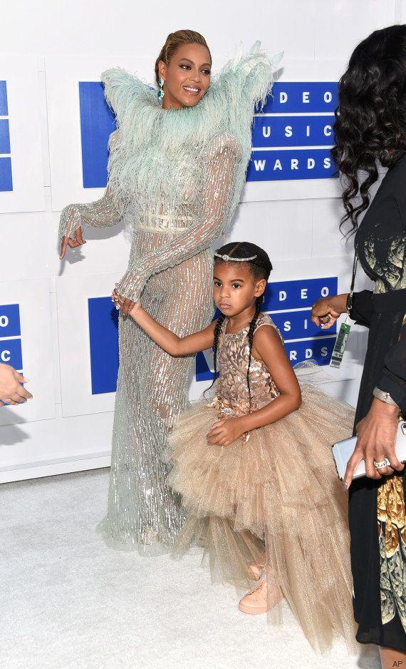 Beyoncé aux MTV Video Music Awards avec sa fille Blue Ivy (qui n'avait pas très envie de prendre la