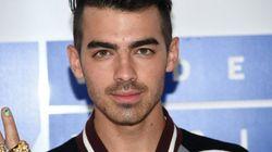 Le prix reçu par Joe Jonas aux VMAs ne plaît pas du