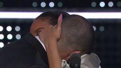 Drake a fait une déclaration (et des bisous) à Rihanna devant tout le