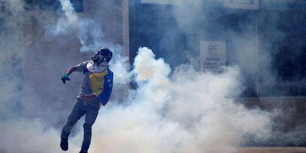 En quatre mois, les manifestations contre Maduro ont fait une centaine de morts au