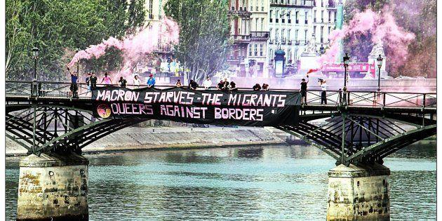 Pourquoi nous, militant.e.s LGBT, avons mené une action de solidarité aux migrant.e.s sur le Pont des