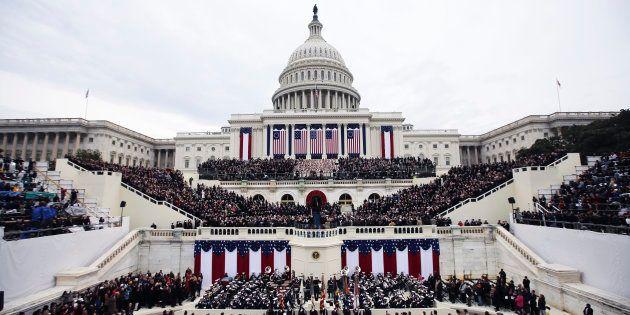 Donald Trump prend place devant le Capitole de Washington, le 20 janvier, pour la cérémonie de son