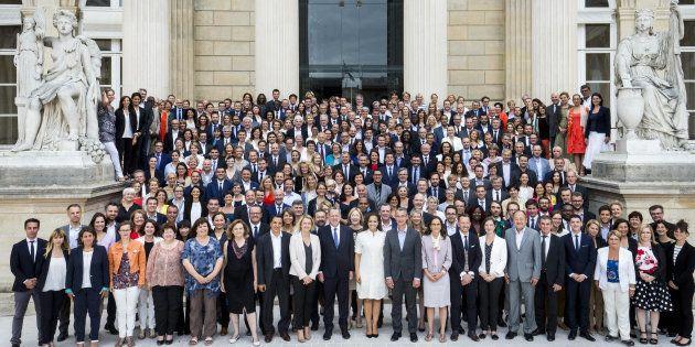Les 308 députés de La République En Marche (REM) aux côtés de Richard Ferrand, Président du groupe à...