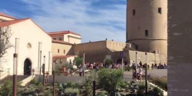 Deux femmes voilées empêchées de rentrer dans une école de Bonifacio par deux parents