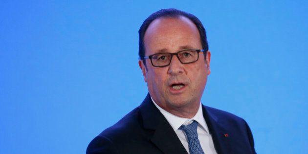 François Hollande en pré-campagne à Wagram: le dilemme du