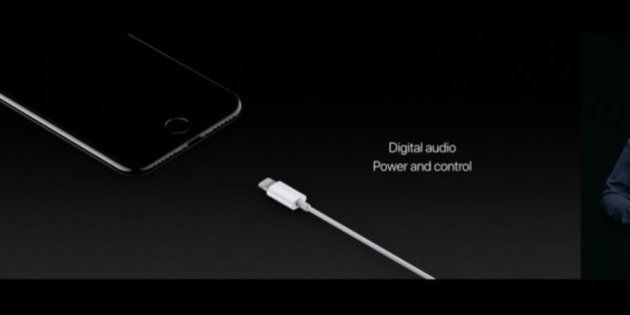 Après les disquettes, les CD Rom ou Flash, Apple choque en supprimant la prise casque de l'iPhone