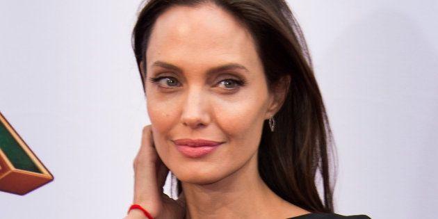 La Devient Égérie De Jolie Angelina Nouvelle GuerlainLe FJcK31Tl