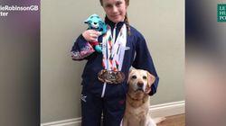 Cette nageuse des Paralympiques peut vraiment compter sur le soutien de son