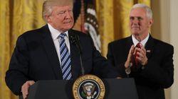300.000 personnes demandent à Trump de publier sa déclaration