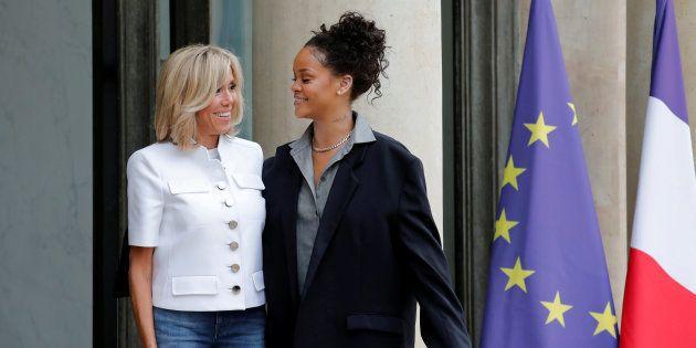 Les internautes recherchent le propriétaire de la veste que portait Rihanna à