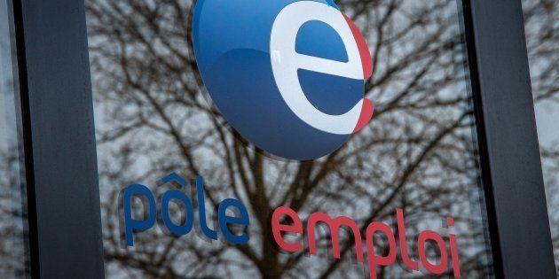Hausse de 0,8% du chômage au mois de décembre, après trois mois consécutifs de